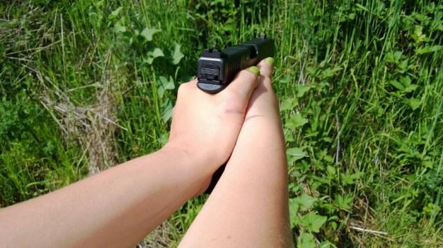 Proper grip on a glock