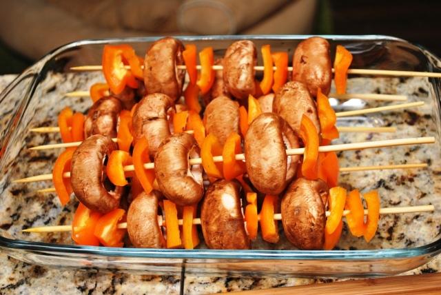 mushroom and bell pepper skewers