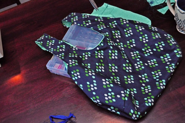 Sewing a reversible hobo bag